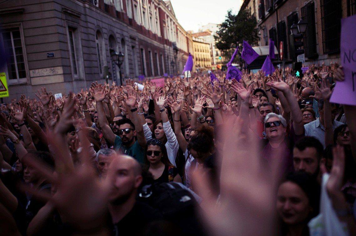 馬德里,西班牙法務部前的抗議。 圖/美聯社