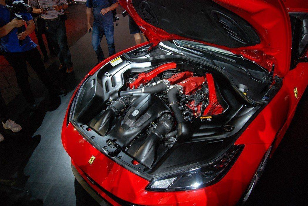 Ferrari Portofino 搭載 3.9升 V8 渦輪引擎,具有600 匹/77.5 公斤米的驚人輸出。 記者林鼎智/攝影