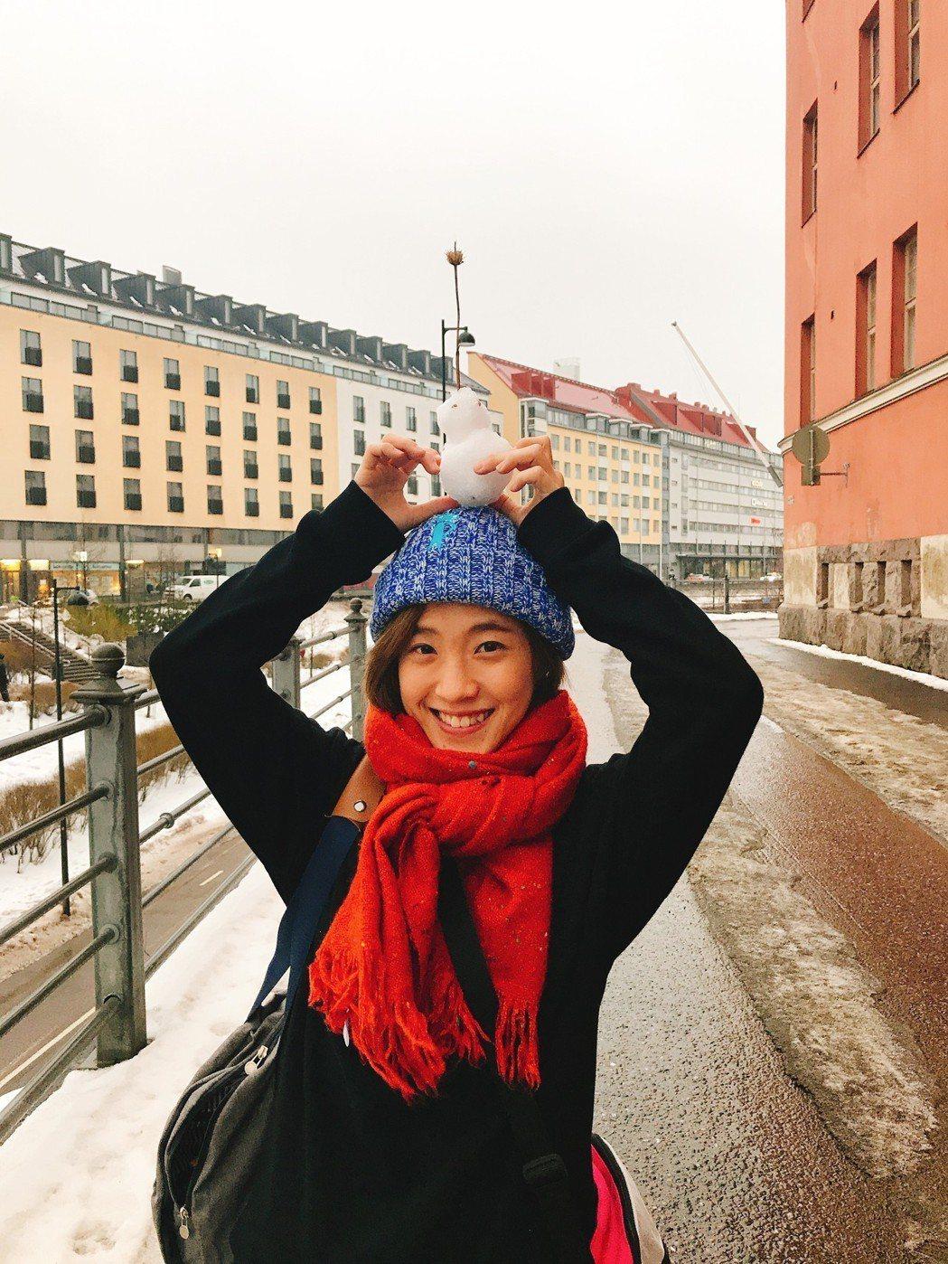 小球上月休假到芬蘭、瑞典、挪威旅遊。圖/環球音樂提供