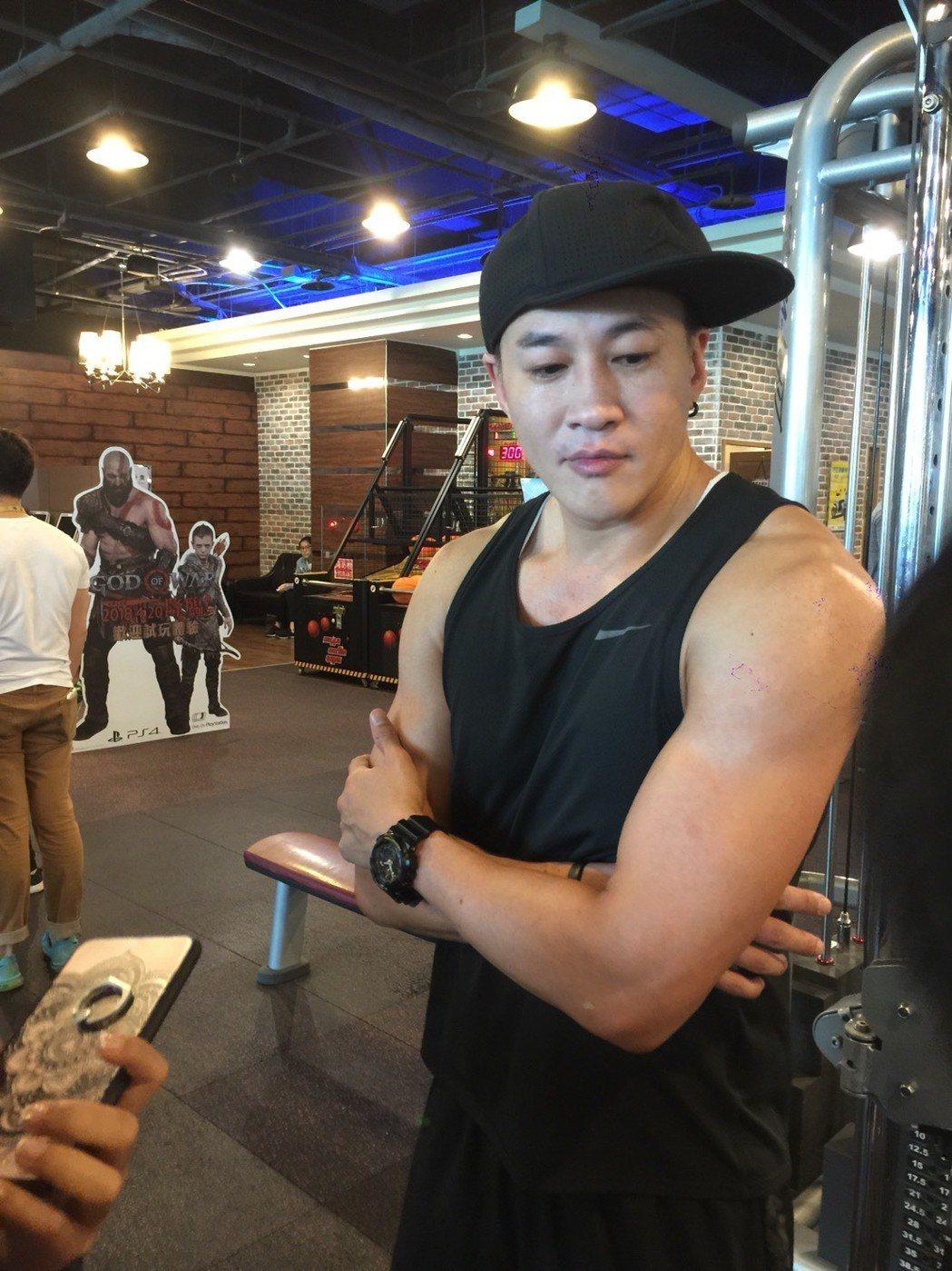 何潤東一個月內長肌7公斤,讓原本消風的肌肉都長回來了。記者陳慧貞/攝影