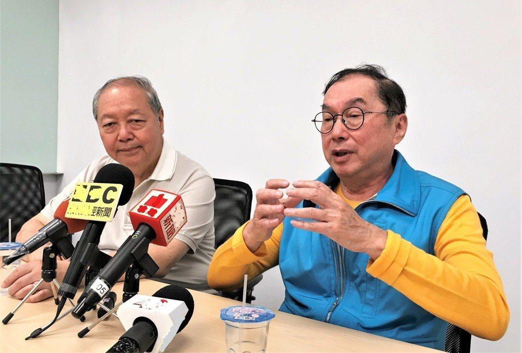 廣達董事長林百里(右)表示,他與副董事長梁次震50年的友誼,從未吵過架,是最佳拍...