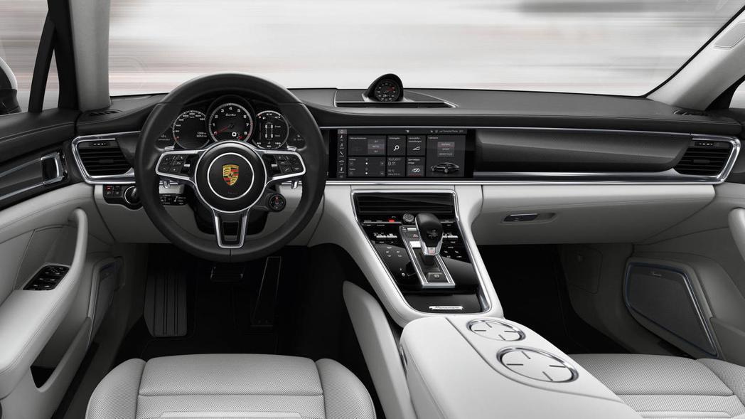 Porsche Panamera 內裝。 摘自Porsche