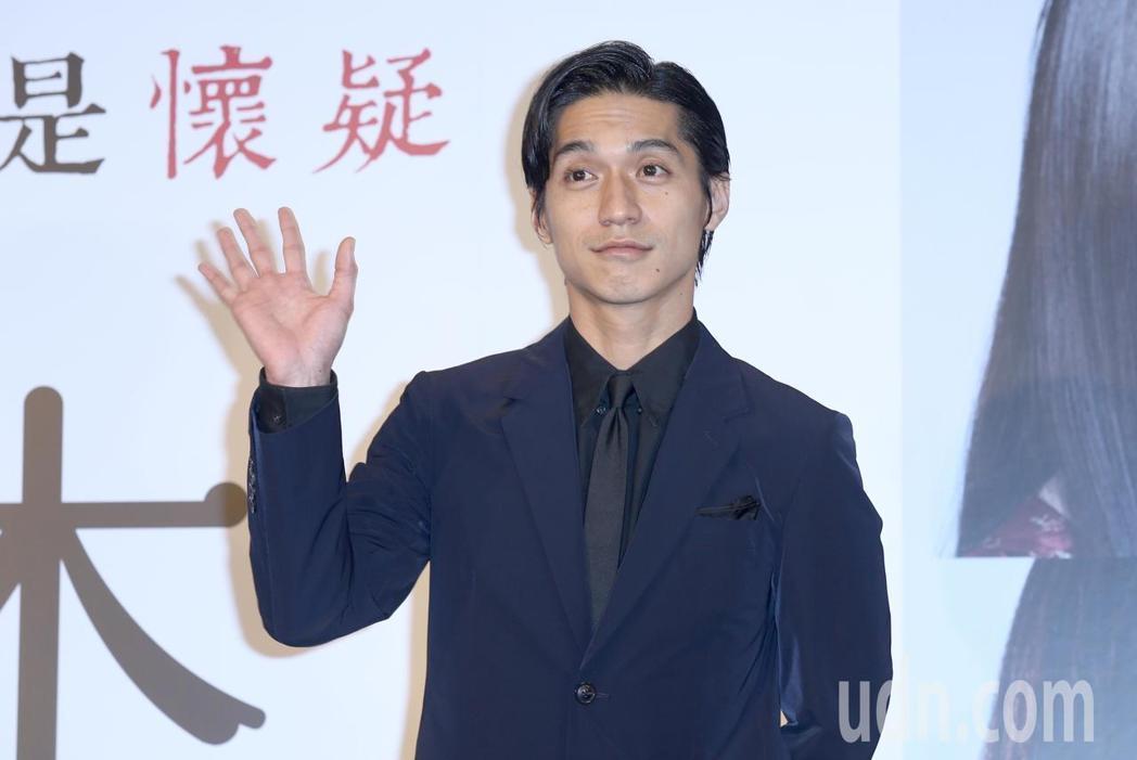 傑尼斯偶像男星錦戶亮出席「羊之木」記者會,頻秀中文,態度相當親切。記者林伯東/攝...