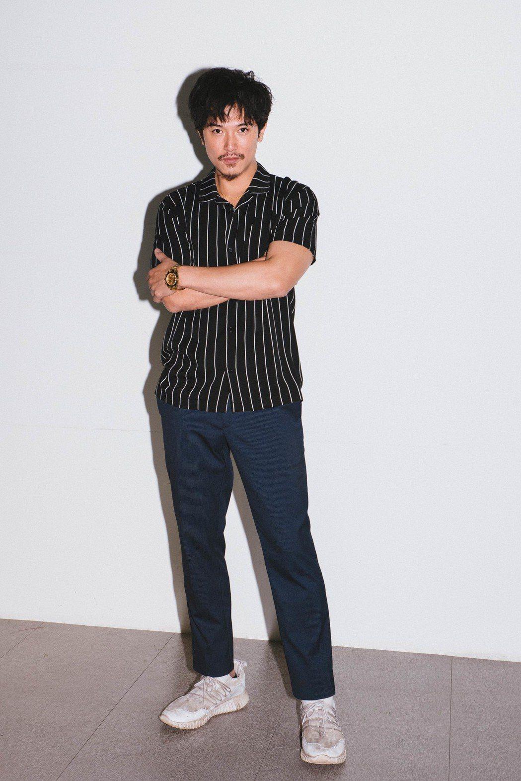 邱澤在「江湖無難事」中扮演黑道小嘍囉,戲路大轉變。圖/華映提供