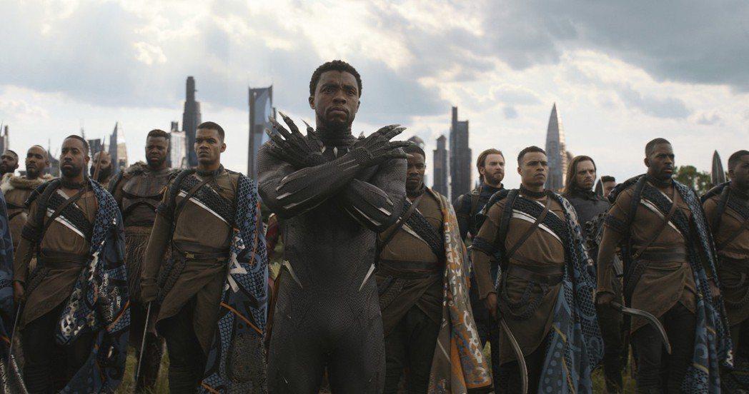 「復仇者聯盟:無限之戰」全球已上映地區,票房全部奪下冠軍。圖/迪士尼提供
