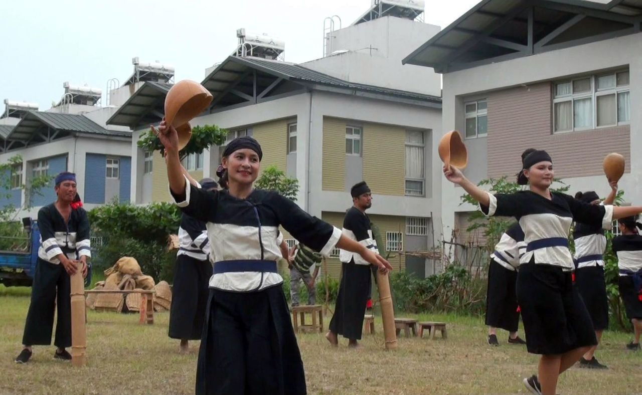 每年農曆3月15日,大武壠族人的「禁向」日,如果遇上乾旱,族人亦會進行祈雨祭儀。...
