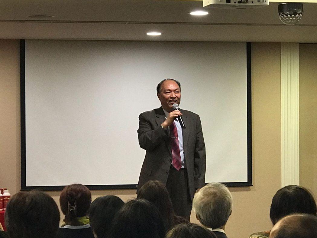 臺北商業大學校長張瑞雄博士說,三創論壇將各產業傑出人士聚集,一同增長知識,適合在...