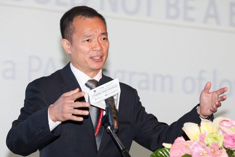 EIM新加坡主席及亞太區主席、新加坡樟宜醫院運動醫學部主任 Dr. Benedi...