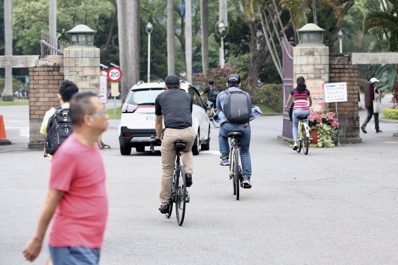 圖為台灣大學校門口。聯合報系記者林伯東/攝影