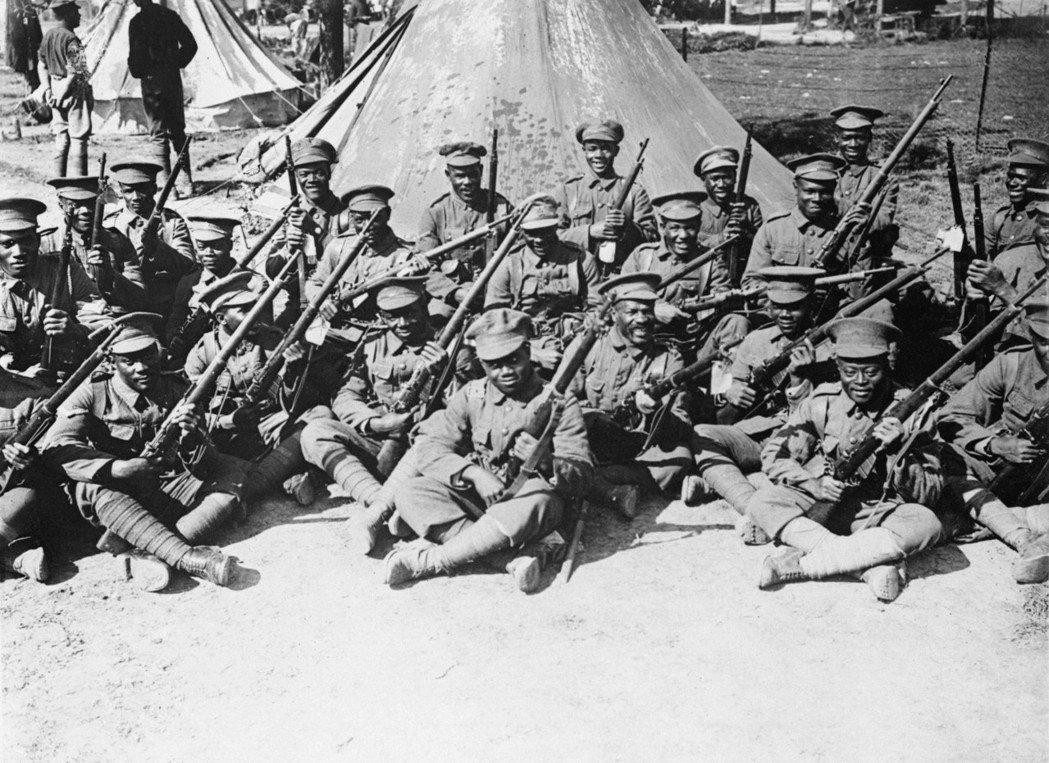 拉米指責政府讓曾加入英國軍隊、在兩次世界大戰中並肩作戰的加勒比海移民如此受苦受難...