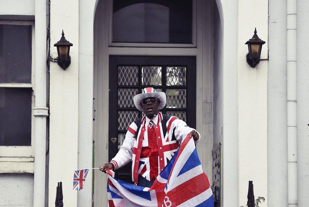 藉著疾風醜聞,暴露了英國過去十年來的移民政策,究竟有多混亂,而又有多少政策主張站...