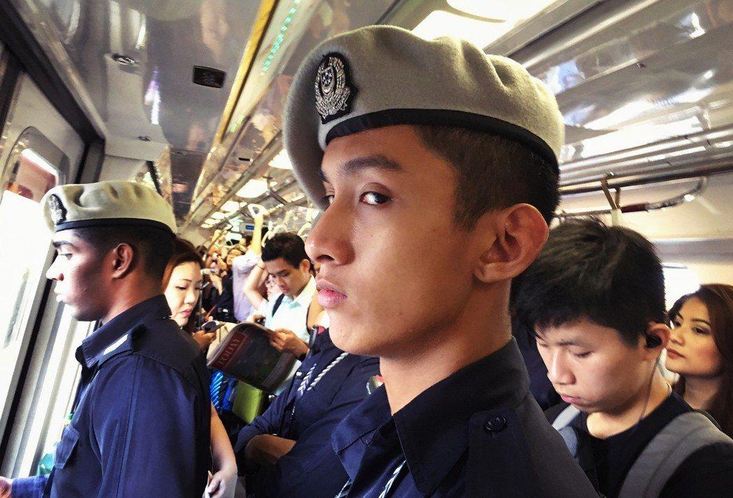早有多國對新加坡政府箝制媒體自由的作法多有疑慮,但星國反過頭指責西方國家偏向自由...