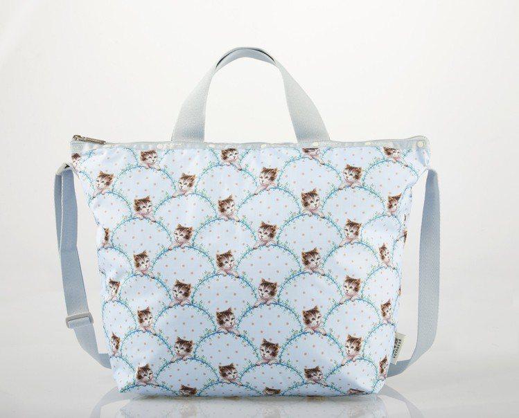 永恆貓咪手提肩背包,2,200元。圖/LeSportsac提供