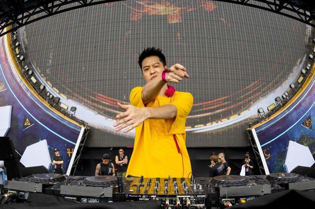 周湯豪赴上海出席全球最大電音節EDC。圖/天熹娛樂提供