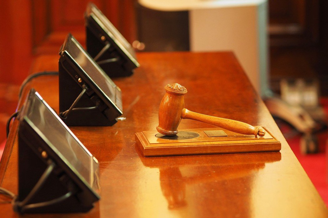關於司法人事,司法界對政治部門的參與,向來多所疑慮,原因所在,無非是深恐失去得來不易的審判獨立。 圖/pixabay