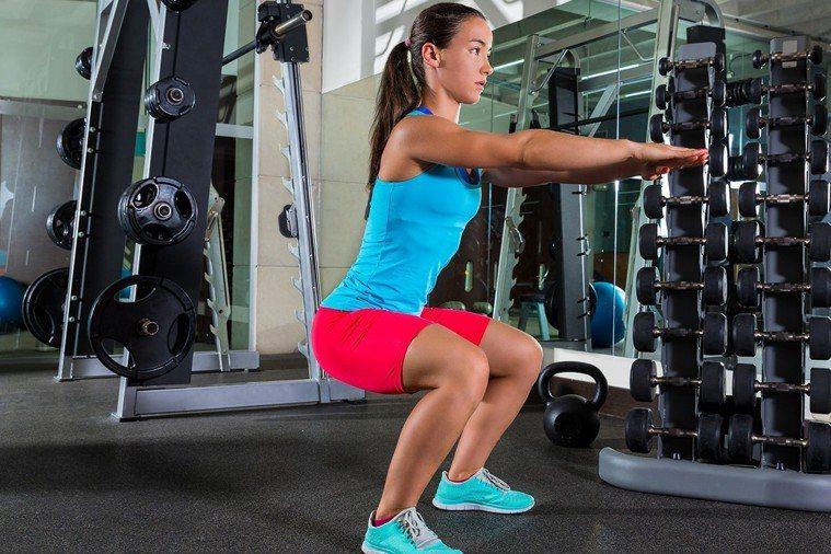 看似靜止、運動量不大的運動,對關節的損傷很大,比如深蹲最傷膝蓋,而俯臥撐、臥推這...