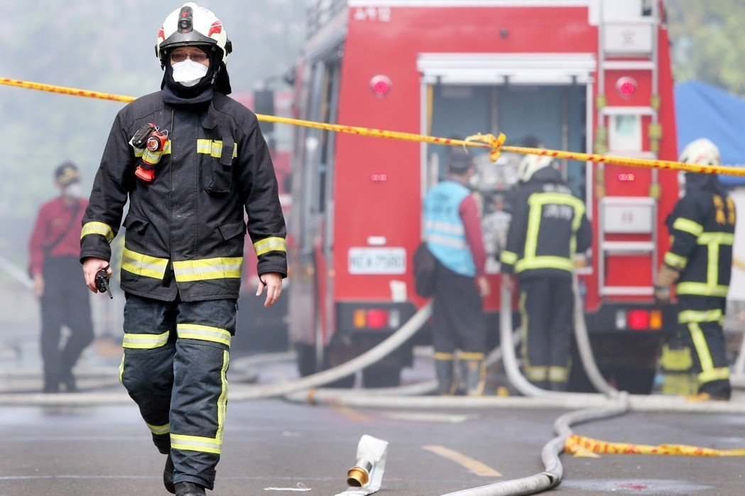 希望在敬鵬大火中喪失的七條寶貴生命,能夠喚起中央政府各主管機關,不要再冷血閃躲社會的需求,盡快有所作為。 圖/聯合報系資料照