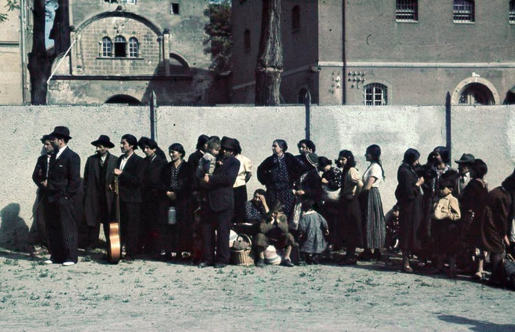事實上,不僅是社會長期歧視,造成社經地位低落的羅姆人無法翻身,而且上述的所有不良...