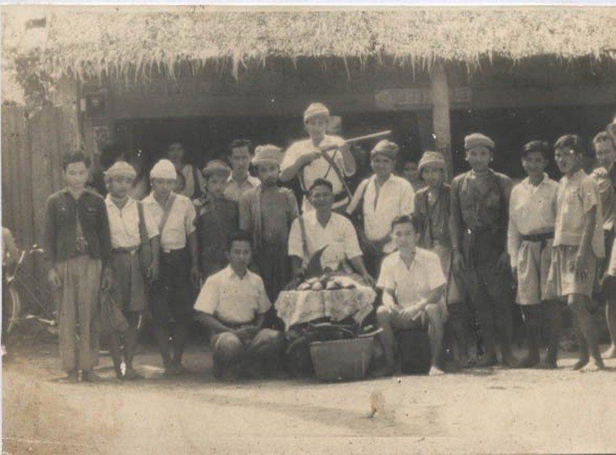 1991年在崗卡章國家公園的克倫族人。 圖/Flickr<a href='htt...