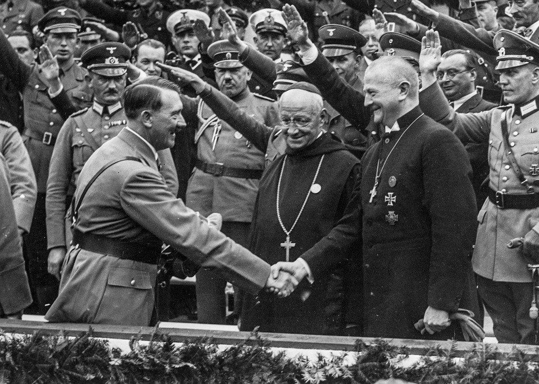 1936至1940年間,德國發生了大規模的退教潮,直到二戰結束之後,才有了明顯的...