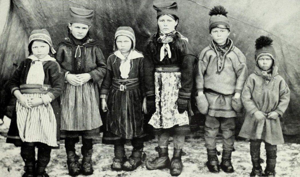 倫柏格的附錄中,對拉普蘭人種的紀錄,則和書末的各種「混血種」一樣,清一色是遊牧民...