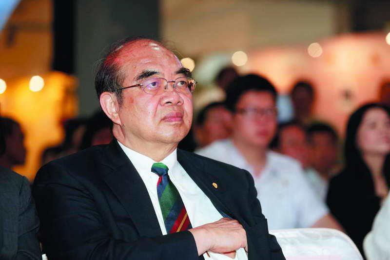 上台即爭議不斷的吳茂昆,完成了「拔管」任務。 攝影/郭晉瑋