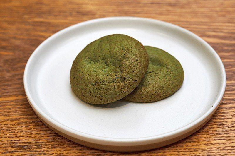 為紀念京都店開幕,率先開始販售的綠茶薄荷餅乾,以抹茶與新鮮薄荷打造出美味口感。