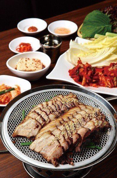 生菜包肉(小)650元/喜歡韓食的人一定不陌生的必點人氣款,附上大份量泡菜就是要...
