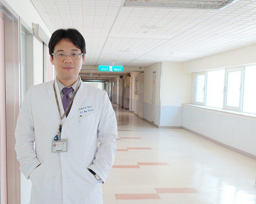 三軍總醫院婦產部主治醫師王毓淇指出,女性停經後若子宮異常出血,有可能罹患子宮內膜...