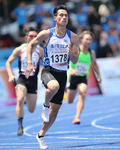 楊俊瀚在全大運200公尺決賽跑出20秒33的成績改寫全國紀錄。記者陳正興/攝影