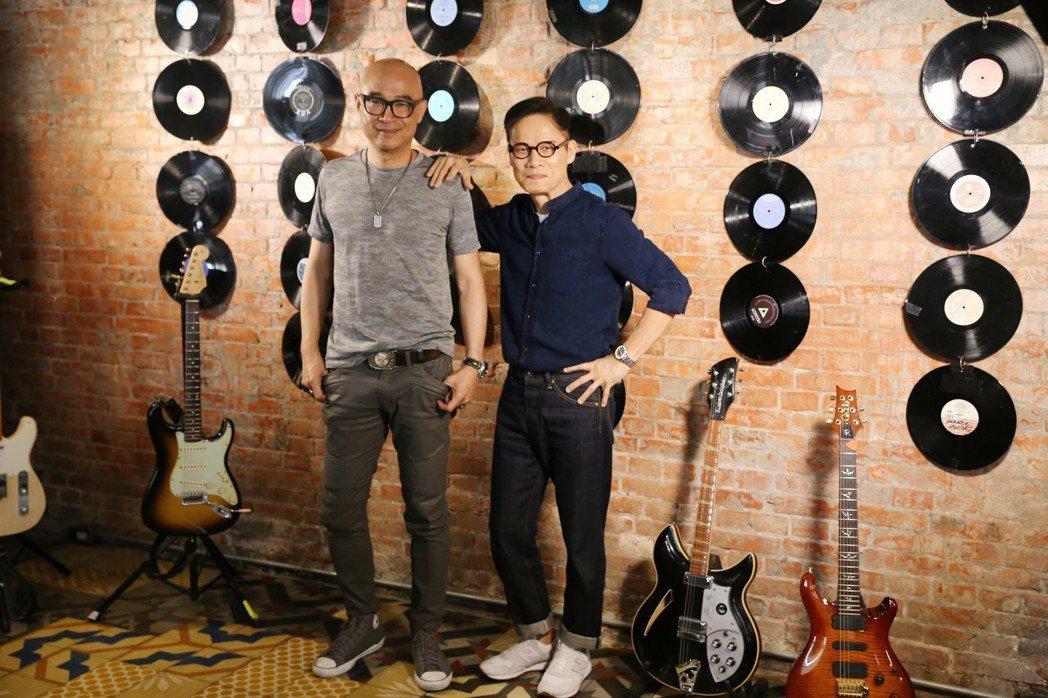 羅大佑(右)和王治平30日將舉辦小型演唱會。圖/legacy提供