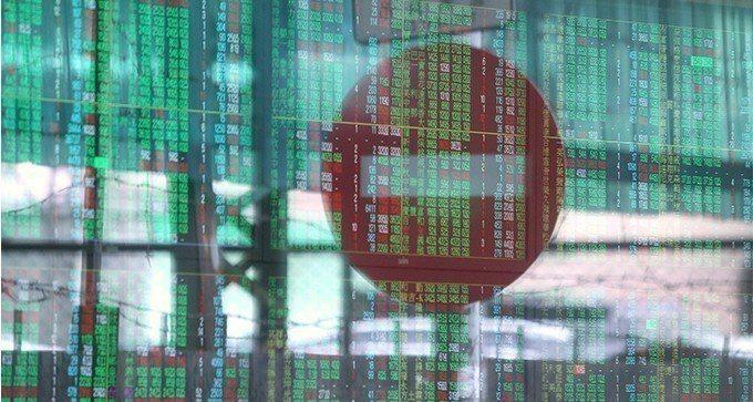 台股昨(14)日遭外資逾百億元賣超,指數失守月線。 報系資料照