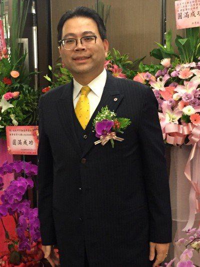 新任台北市不動產仲介公會理事長黃文雄。聯合報系資料照/記者郭及天攝影
