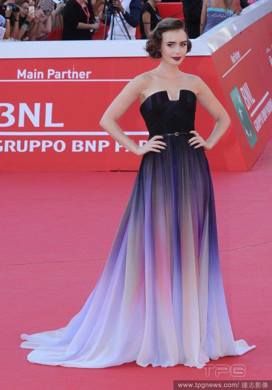 好萊塢女星莉莉柯林斯曾穿過正版Elie Saab禮服。圖/達志影像