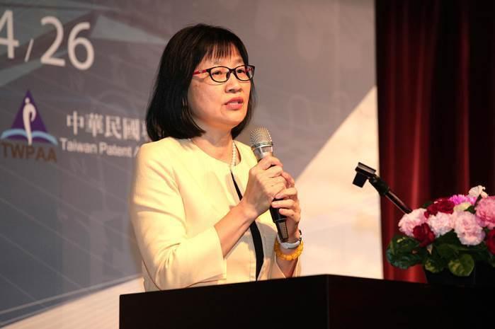 圖三、智慧財產局局長洪淑敏對於專利師公會貢獻表達肯定。