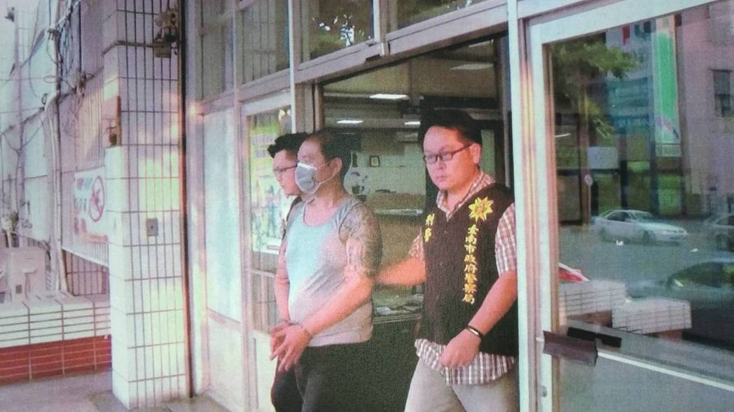 詐騙車手密密麻麻教戰手冊無效 警8小時逮人