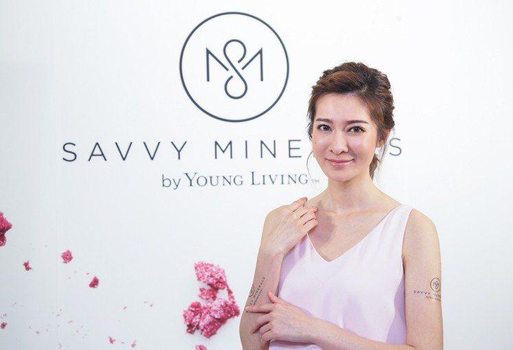 礦物彩妝強調「少即是多」的概念,輕鬆打造個人專屬的完美妝容。圖/Savvy Mi...