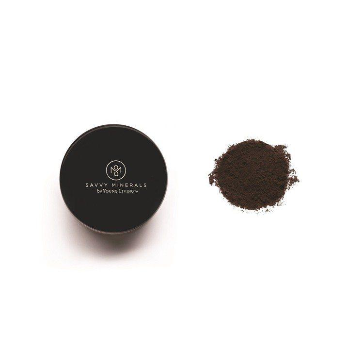 Savvy Minerals多功能礦物妝粉可當眼影、眼線或眉粉使用。圖/Savv...