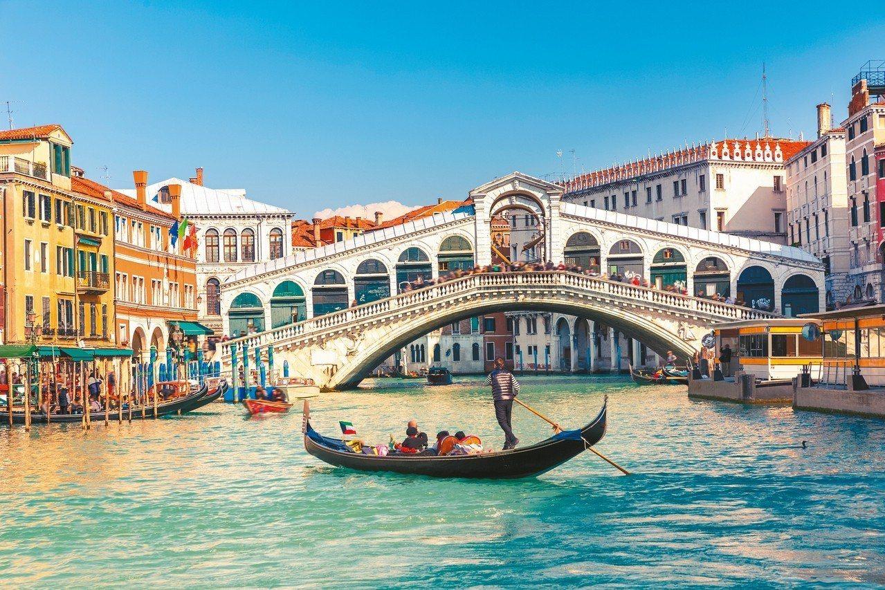 特殊的水都風情,乃是威尼斯的最大特色。 圖/百威旅遊提供