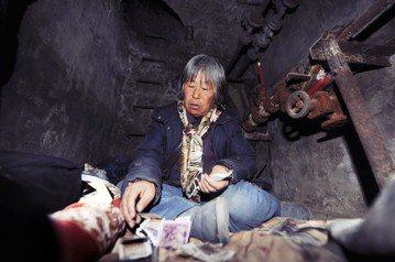 《低端人口》:百萬鼠族,北京怨懟「禁忌民」