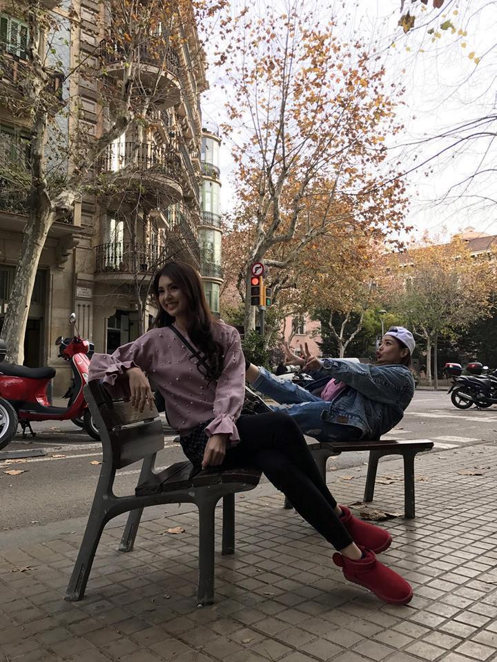 小甜甜(右)和韋汝是多年閨蜜,兩人年前還相約出國玩。圖/擷自小甜甜臉書
