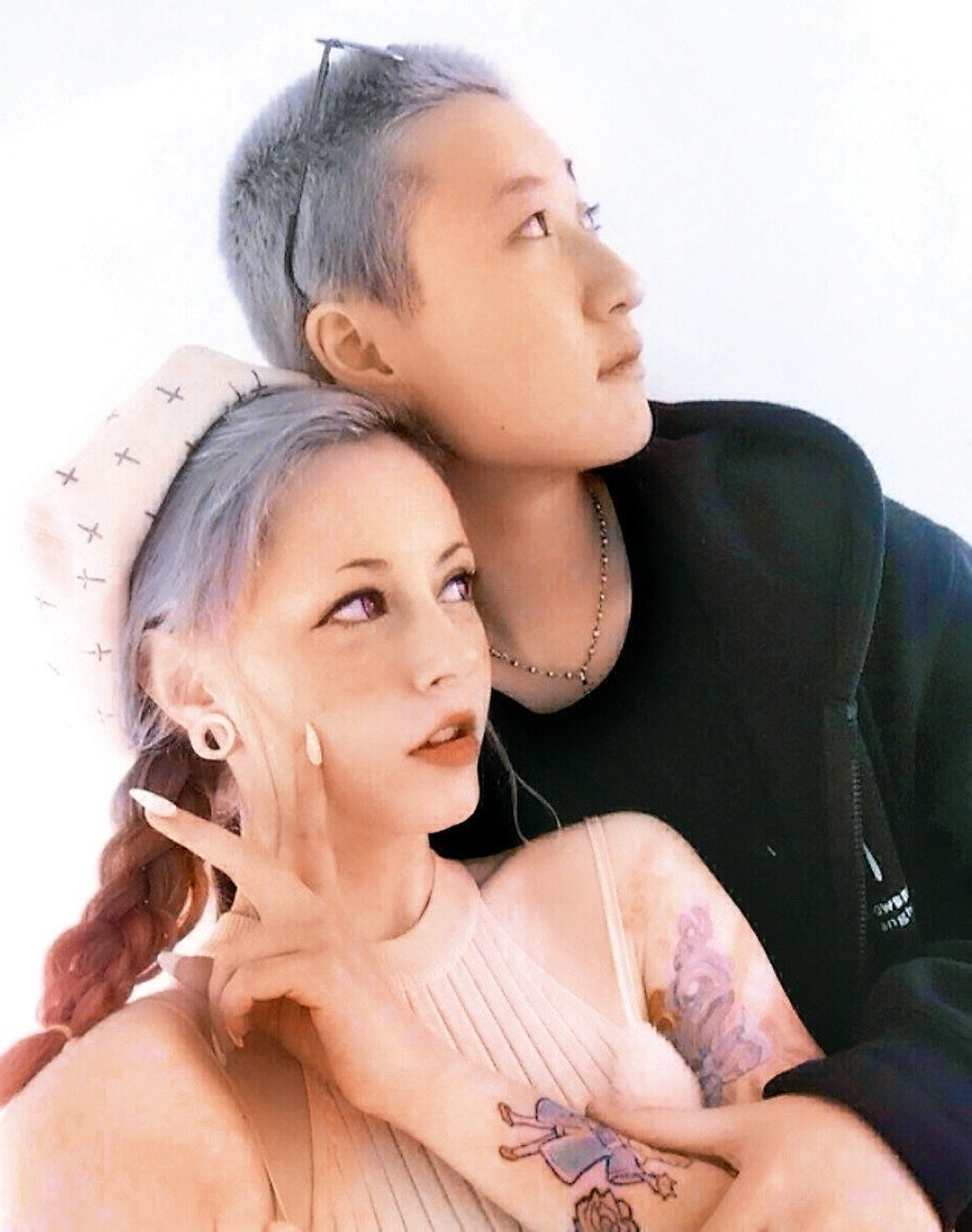 吳卓林(右)與網紅Andi(左)相戀。圖/摘自IG