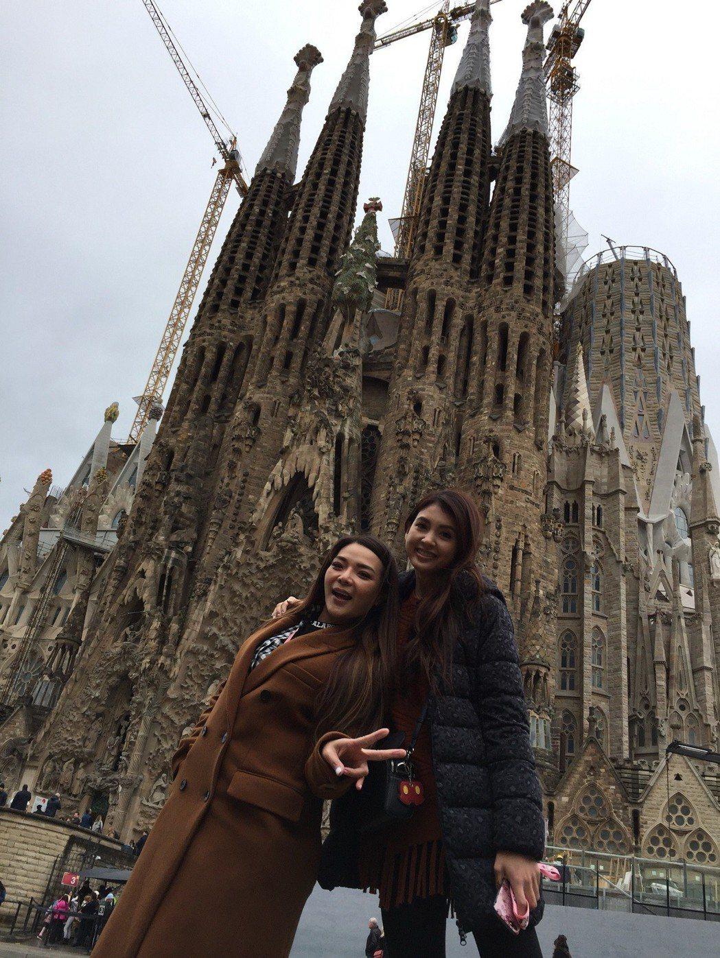 小甜甜先前和韋汝以閨密為名錄旅遊節目。圖/亞洲旅遊台提供