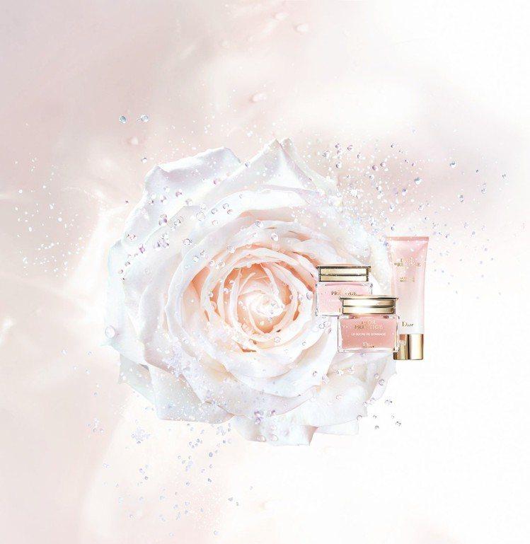 迪奧精萃再生花蜜系列在2018夏天來臨前推出頂級潔顏商品。圖/迪奧提供