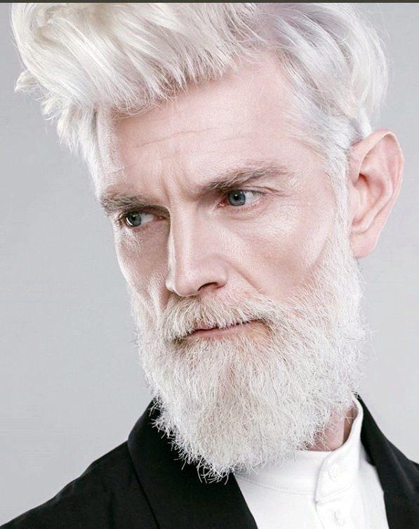 俄羅斯一家模特兒經紀公司Oldushka,專找熟齡模特兒,而且還不是普通的「熟」...