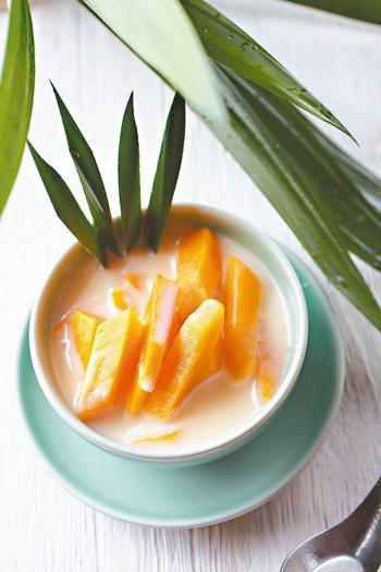 地瓜椰奶甜湯 圖╱摘自男子製本所出版《泰菜熱》