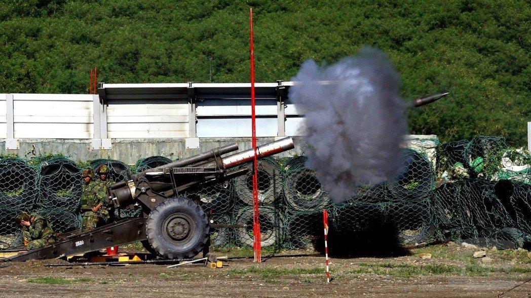 M114榴彈砲仍大量服役於國軍,雖然可靠度、彈藥存量、砲管壽命都還無虞,但性能已...