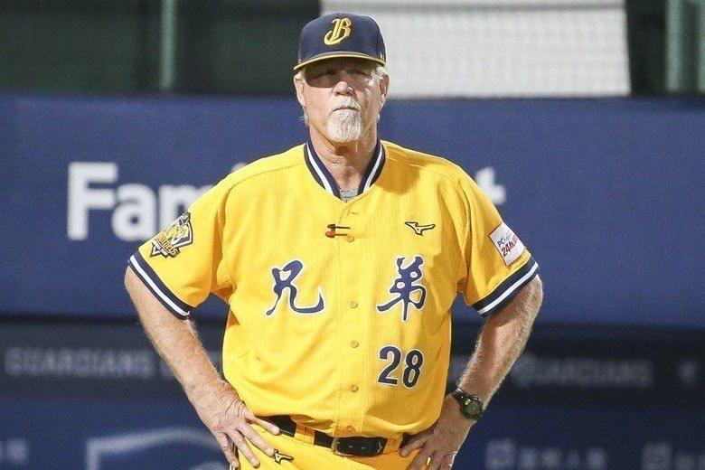 中信兄弟總教練史耐德見多識廣,剛來台灣時就直指中職只有4隊是不夠的。 聯合報系資...