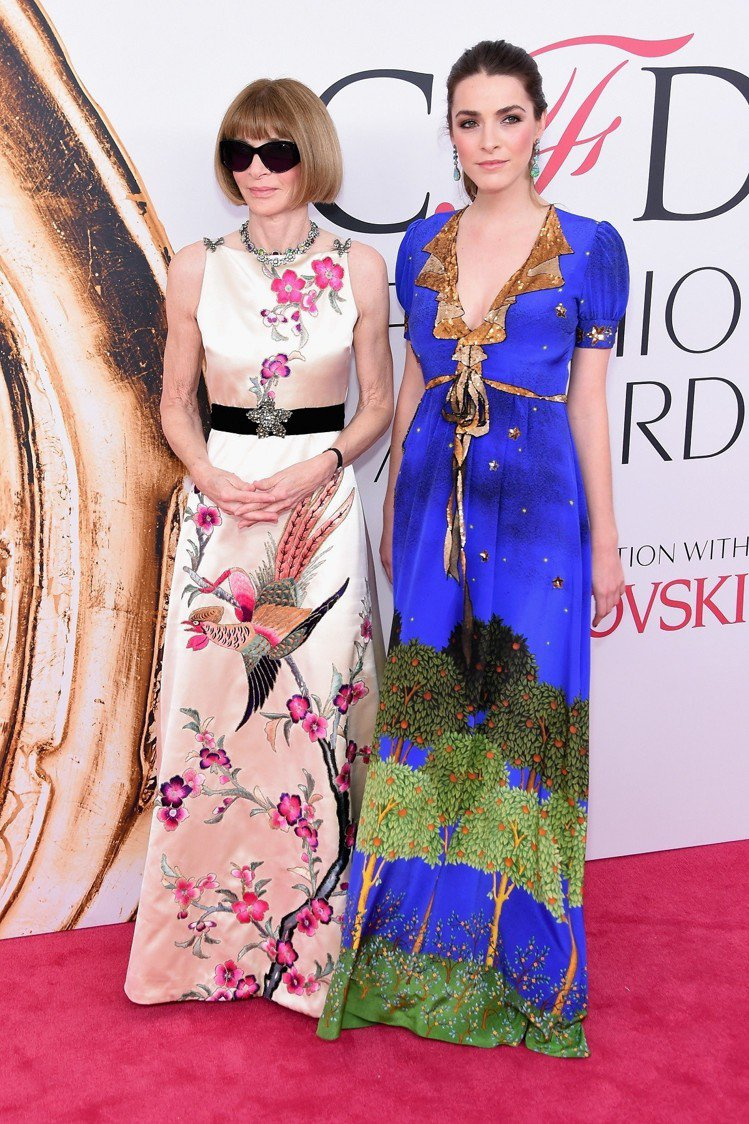 安娜溫圖與女兒碧夏佛一同出席CFDA Awards 美國設計師協會大獎。圖/Gu...