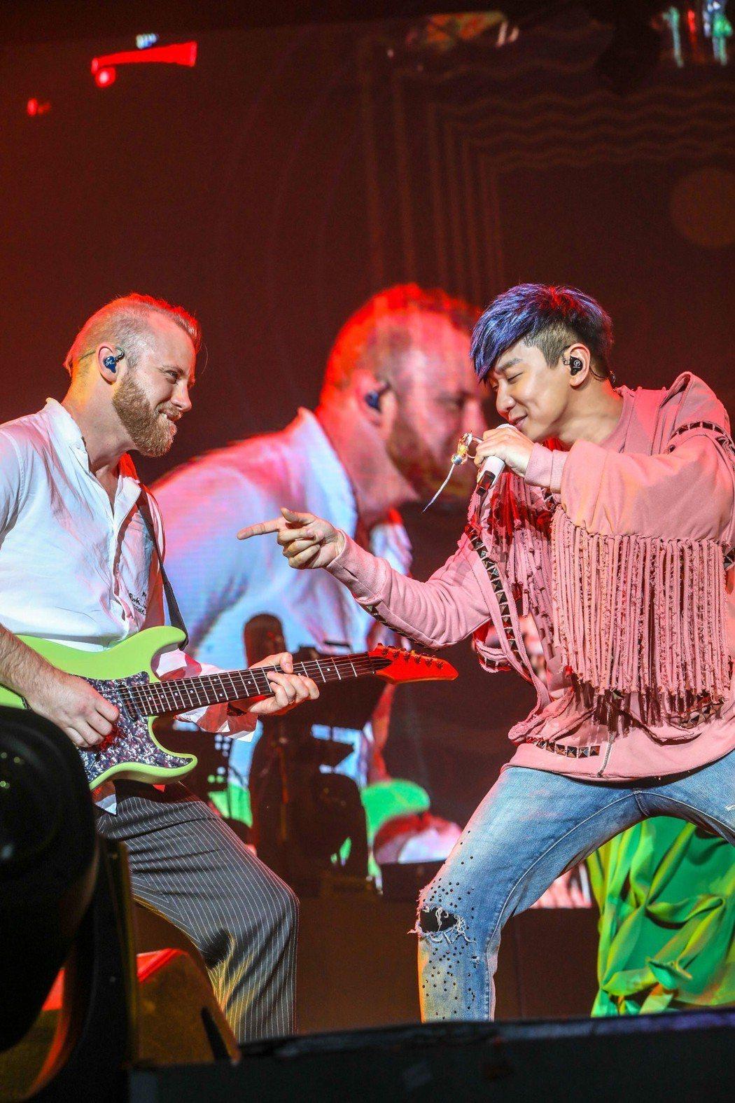林俊傑出道15年,第一次來到大連舉辦演唱會。圖/JFJ Productions提...
